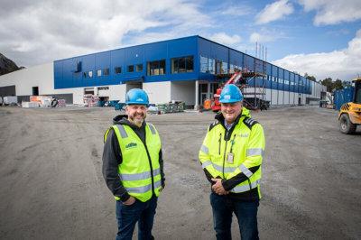 GL-Bygg, Arne Magne Galguften og administrerende direktør i LLENTAB Norge, Thomas Re Johnsen.