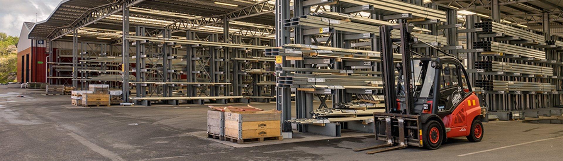 LLENTAB steel profile storage in Kungshamn